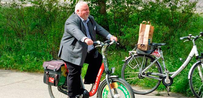 Mit dem Rad durchs Quartier  -Herr Bantle Quartiermanager Süd